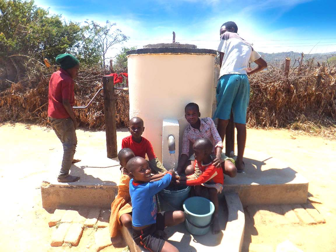 SST Support AquAid to Provide Clean Fresh Drinking Water